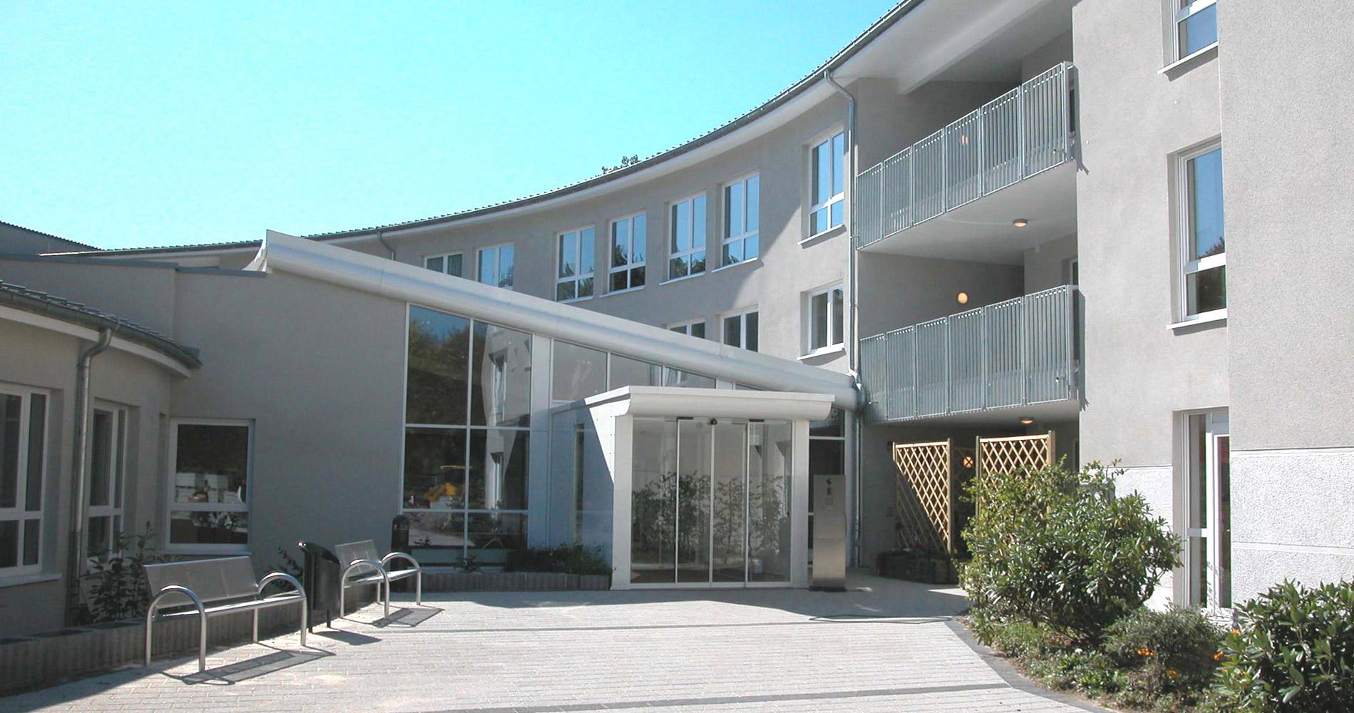 Seniorenheim_Aussen-1